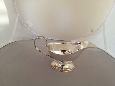 Lovely  Silver Plated Sauce/gravy Boat On An Oval Raised Foot (Spgb33)