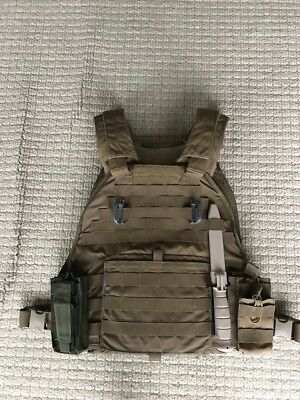 Eagle Industries XL scalable plate carrier with extras