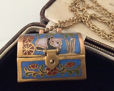 Vintage Jewellery Lovely Unusual Chinese enamel opening Locket chest necklace