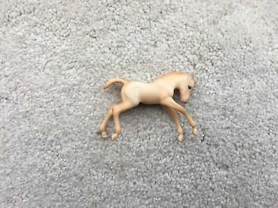 Breyer Horse Stablemate #5881 Mystery Foal Surprise Peach Scrambling Family 4 G2