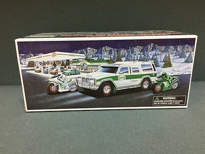 NEW 2004 HESS Toy Truck Sport Utility Vehicle & Motorcycles FREE SHIPPING