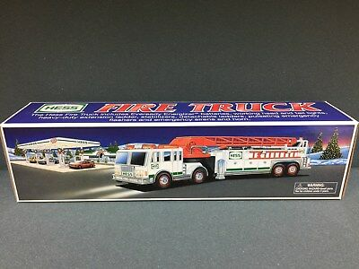 NEW 2000 HESS Toy Truck Fire Truck  FREE SHIPPING