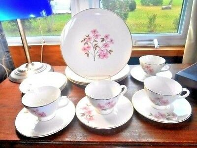 KNOWLES DOGWOOD Dinnerware Set 16 Pieces Pink Dogwood & Cream Gold Rim FREE SHIP
