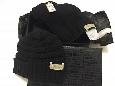 Diesel WinterJingle Pack Hat-Scarf Box/Gift Set in Black for Men One Size.