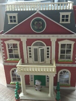 Sylvanian Families Grand Regency Hotel with furniture & figure