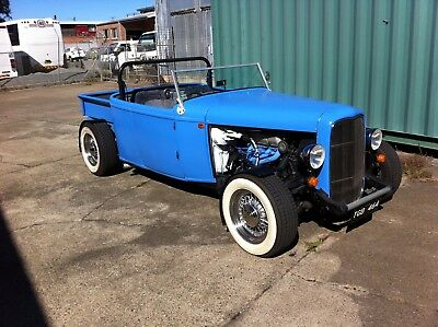 Hotrod 1932 style Ford Roadster Pickup. Full NSW rego. No reserve.