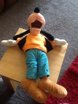 "Disney Large Plush Soft Toys Disneyland - Goofy  - Approx 14"" - Good Condition"
