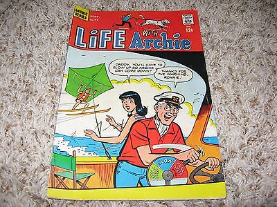 Life With Archie #77 (Archie, 1968) – Veronica, The Archies, Li'l Jinx – FN