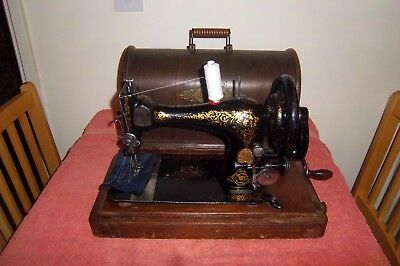 Vintage Singer 28 Hand Crank Sewing Machine With Bow Top Case