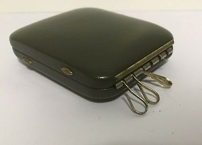VINTAGE HINGED Hard Shell Key Keeper Coin Holder Case Green Keychain w/ Pocket