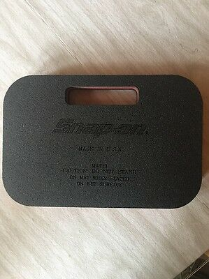 "Snap On Kneeling Mat. 8-1/2"" X 13"""