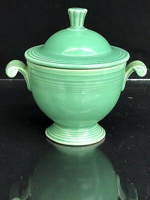 Very nice VINTAGE FIESTA WARE Covered Sugar Bowl with lid in Green