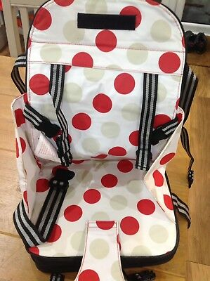 POLAR GEAR Portable Baby/Toddler Booster Seat 5 Point Harness *Great Condition*