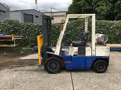 Nissan Forklift 2.5t With Container Mast And Side Shift