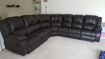 Sofa,Lounge Suite,Couch,Leather Modular recliner, Inbuilt cup holders/table