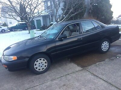 1996 Toyota Camry LE Camry 1996 LE automatic transmission 2.2L engine with 161K miles , Black