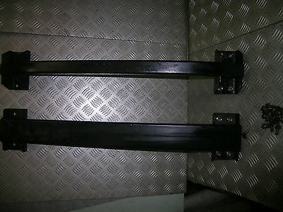 D2 Land Rover Discovery cross chassis rails under transmission gearbox