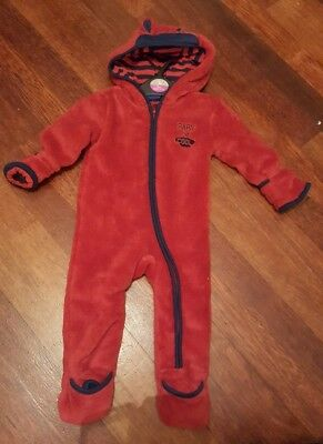 lovely baby boys snowsuit 2-6 months.....worn once for about an hour