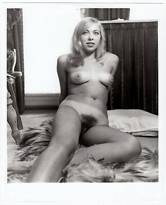 "NUDE MODEL w TANLINES / ATTRAKTIVES NACKTES MODELL * Vintage 60s US Photo ""L"""