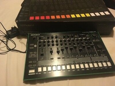 Roland AIRA TR-8 - with 7x7 and 606 Expansion