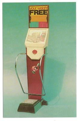 1950s? DR. PEPPER Free WEIGHT MACHINE Advertising Card; Great Image w/ Bottles
