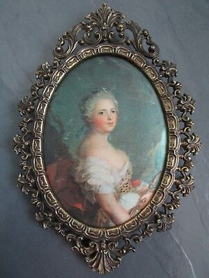 VINTAGE Oval Gold-Tone Metal Ornate Frame w/Silk Portrait Made in Italy