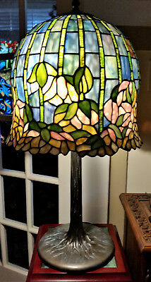 TT10379 Dale Tiffany Lotus Pond Water Lily Stained Glass Lamp Brass Bronze Base