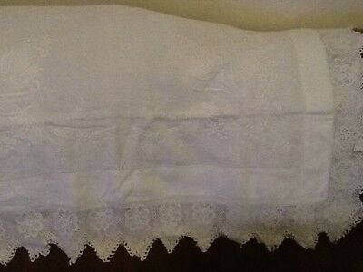 "42""Vintage Tablecloth With41/2""Deep Hand crochet Edge Of.flowers And Embroidery"