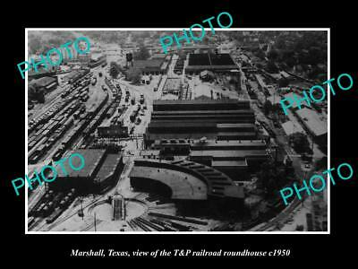 OLD LARGE HISTORIC PHOTO OF MARSHALL TEXAS, THE T&P RAILROAD ROUNDHOUSE c1950