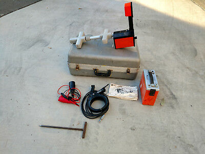 Metrotech 810 Cable Pipe Locator Underground Transmitter & Receiver w/case