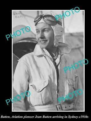 Old Large Historic Photo Of Aviation Pioneer Jean Batten Arriving In Sydney 1930