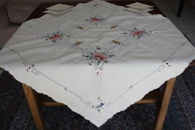 VINTAGE TABLECLOTH Small Cream Linen Embroidered 83x81cm plus 4 Serviettes #42