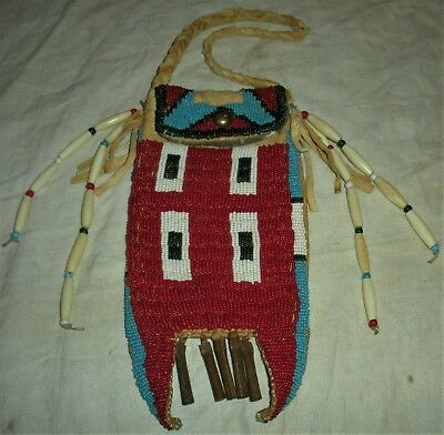 ANTIQUE c1930 PLAINS NATIVE AMERICAN INDIAN BEADED BAG POUCH NICE RED COLOR vafo