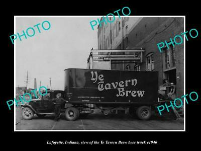 OLD LARGE HISTORIC PHOTO OF LAFAYETTE INDIANA, YE TAVERN BREW BEER TRUCK c1940