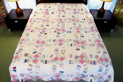QUEEN Vintage, Beautiful Hand Sewn Feed Sack WEDDING RING QUILT in Need of TLC!