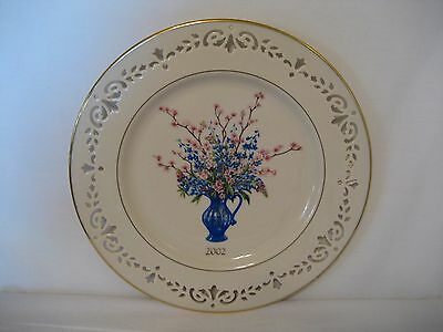 Lennox-An Annual Limited Edition-Colonial Bouquet-2002-Decorative Plate-Delaware