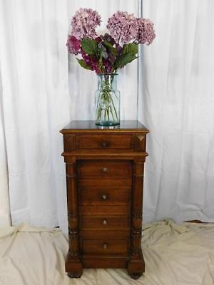 A GOOD SIZED 19th CENTURY FRENCH ANTIQUE WALNUT PEDESTAL CABINET CUPBOARD