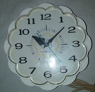 Vintage Retro Mid Century GE Flower Electric Wall Clock Model 2150 White #4183