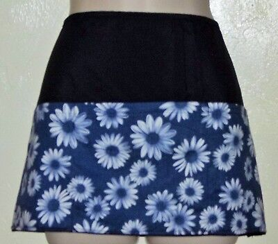 Black reversible WHITE DAISIES with blue waitress server waist apron 3 pockets