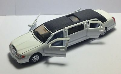 Kinsmart 1999 White Lincoln Town Car Stretch Limousine Scale 1 38