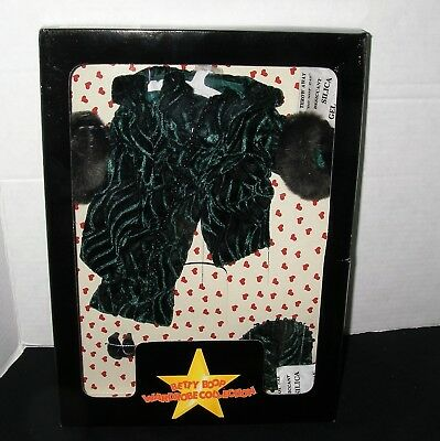 Betty Boop ~ Wardrobe Collection ~ Emerald Green Dress Outfit with Accessories