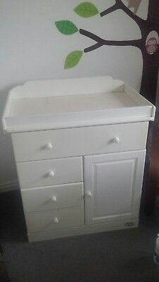 Tutti Bambini changing table with drawers