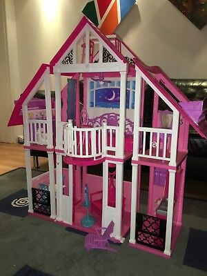barbie mattel traumhaus haus im koffer barbiehaus 90er picclick de. Black Bedroom Furniture Sets. Home Design Ideas