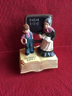 Vintage SANKYO Albert Price SCHOOL DAYS Ceramic MUSIC BOX 1974 JAPAN Rotates