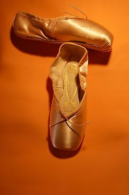 "FREED-CLASSIC Pointe| 3 XX | ""Q"" 