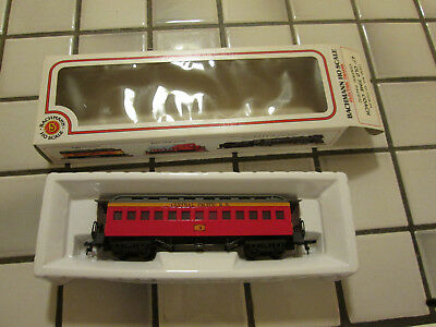 bachmann CENTRAL PACIFIC 47 foot old time coach car HO scale///