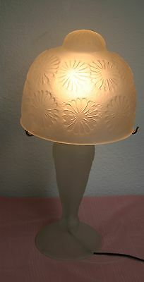 French Art Deco Stl Hand Blown Frosted Glass  Table Lamp White Geometric Pattern