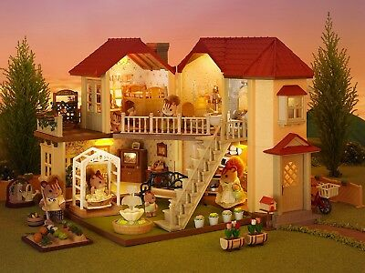 Sylvanian Families Beechwood Hall Toy Play House Gift Set Kids Collectable NEW