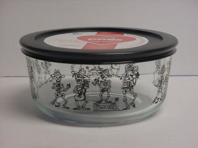 Pyrex Halloween Skeleton Mariachi Band 1-Qt Storage Bowl & Lid Day of the Dead