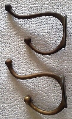 Lot Of 2 Vintage Antique Brass Clothes Hooks, Hangers/triangle Mounting Bracket